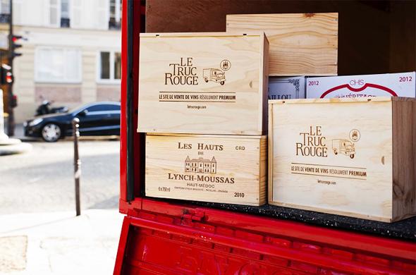 Nos caisses de vins dans le triporteur du Truc Rouge